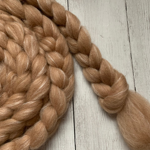 FARM ROVING - Baby Alpaca / Merino / Firestar - Roving from ESTHER - Light Fawn