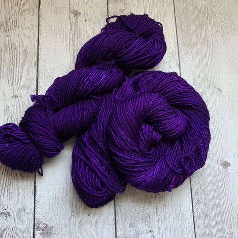 WORSTED - CONCORD GRAPE™ -  Semi-Solid Kettle Dyed WORSTED - 218 yds 3.5 oz RTS (819)