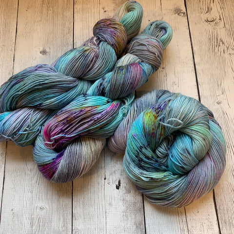 Misty Morning Sunrise™ Alpaca Fing/Sock Speckled/Hand Paint - 435 yds RTS (1219)