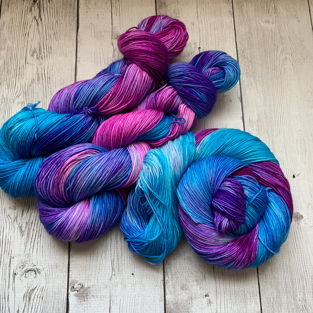BERRY JUICE CONCENTRATE™ Kettle Dyed Fing/Sock Hand Paint - 463 yds RTS (327)
