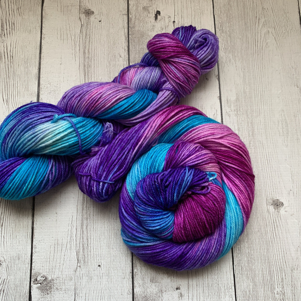 BERRY JUICE CONCENTRATE™ Kettle Dyed DK Hand Paint - 245 yds RTS (327)