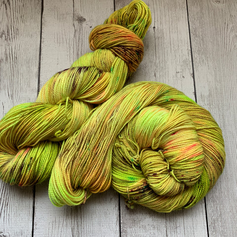 DYSTOPIA™ Speckled Fing/Sock Hand Paint  - 400 yds RTS (327)