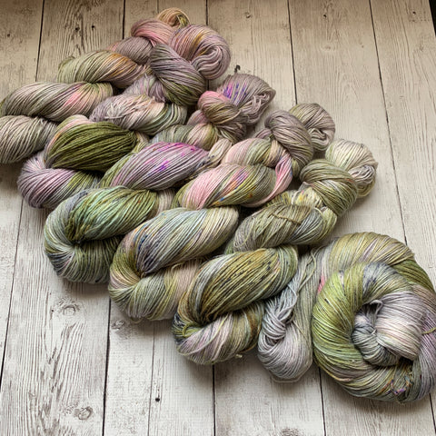 FOGGY MEADOWS™ Speckled Fing/Sock Hand Paint - 430 yds RTS (327)