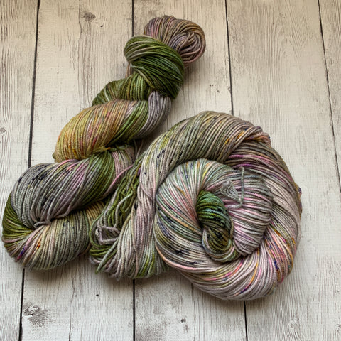 FOGGY MEADOWS™ Speckled DK Hand Paint - 274 yds RTS (327)