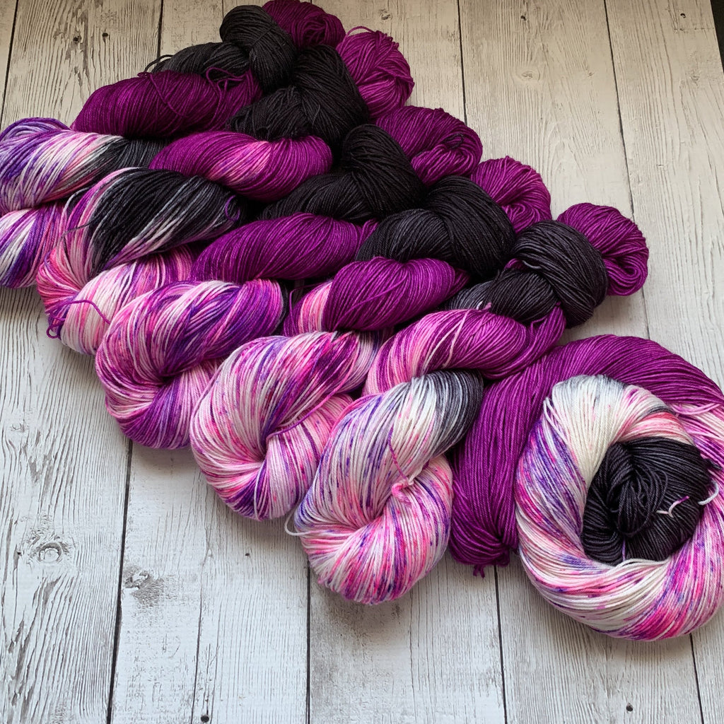SOCK WEIGHT - ZuZu's Petals™ Kettle Dyed Speckled - 463 yds  or 20 gr minis RTS (013120)