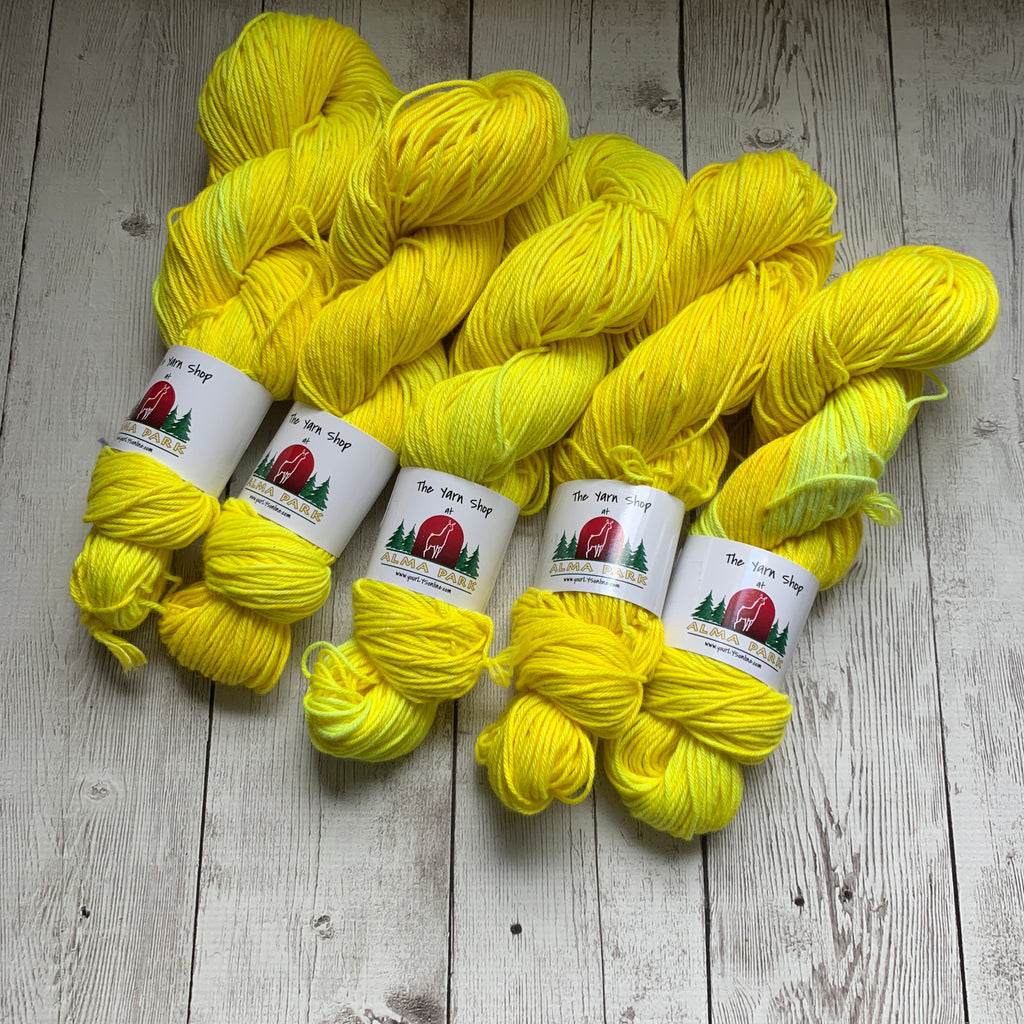 DK -  DOWN THE JERSEY SHORE™ (Lemon Ice) -  Semi-Solid 240 yds 3.5 oz RTS (611)