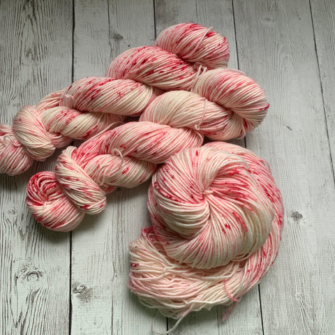 DK - RUBY™ -  Speckle Dyed - 274 yds 3.5 oz RTS (923)