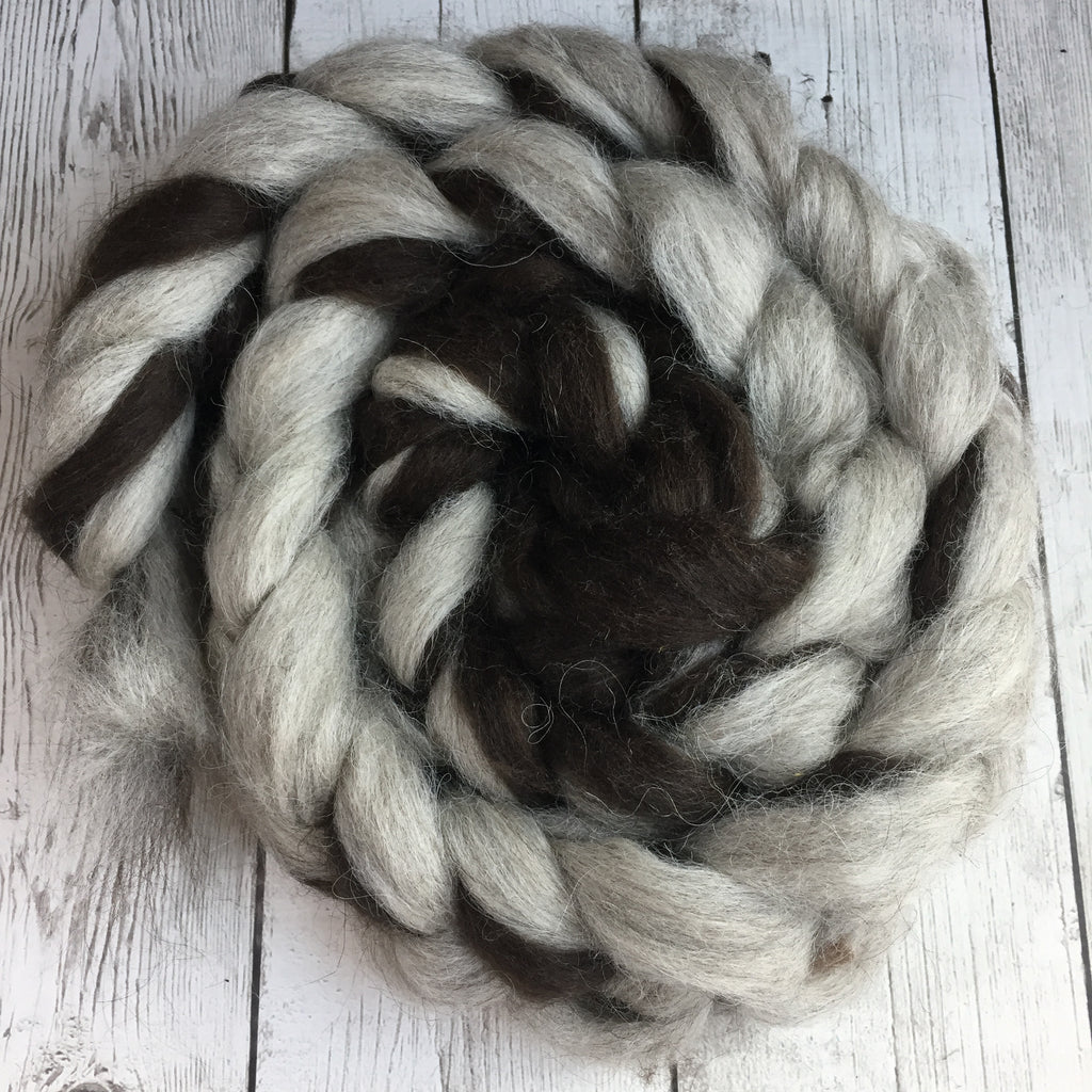 100% Icelandic Lamb Pin-Drafted Roving - Bay Black &  Silver Grey  - 2 or 4 oz