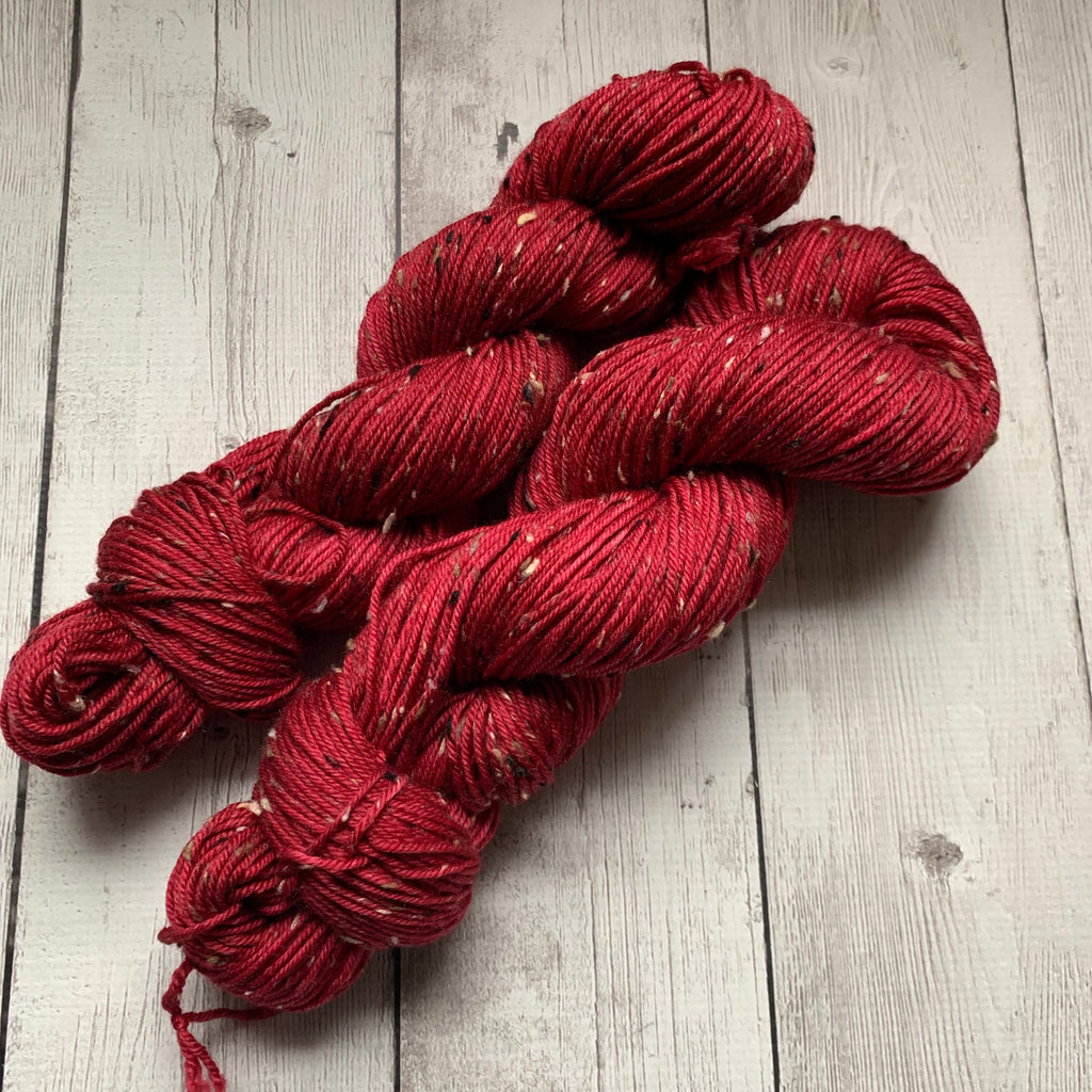 DK WEIGHT -  RED WEDDING  Semi-Solid Kettle Dyed - Donegal Tweed 231 yds 3.5 oz RTS (012420)
