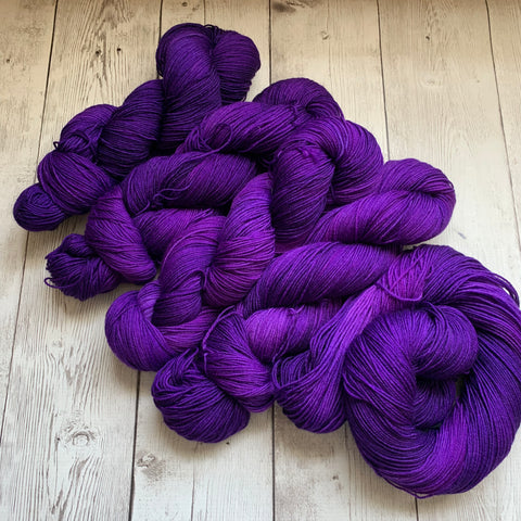 CONCORD GRAPE -  Semi-Solid Kettle Dyed Fing/ Sock weight - 463 yds 3.5 oz RTS (717)