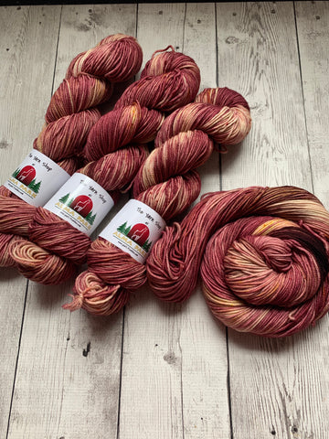 DK - CINNAMON BARK Kettle dyed Speckled - 274 yds RTS