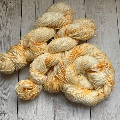 CITRINE™ -  Speckle Dyed DK - 274 yds 3.5 oz RTS (806)
