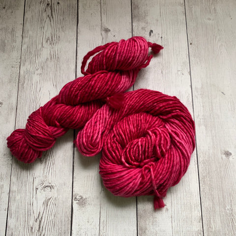 SUPER BULKY - (RASPBERRY) - 100 grams 76 yds RTS (923)