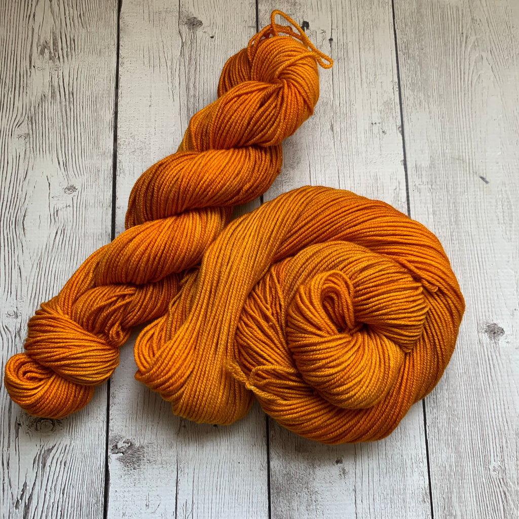 WORSTED - Doctor Who goes to Westeros™ (GOLDEN CROWN) Semi-Solid Kettle Dyed - 218 3.5 oz RTS (816)