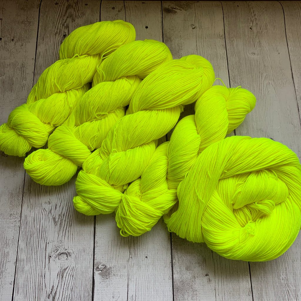 LEMON -  Semi-Solid Kettle Dyed Fing/ Sock weight - 463 yds 3.5 oz or 20 gr minis RTS (717)