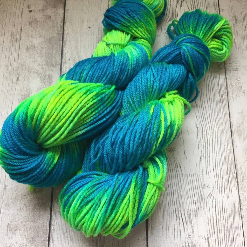 Psychedelic Seas™ Hand Painted WORSTED - 218 yds (808)