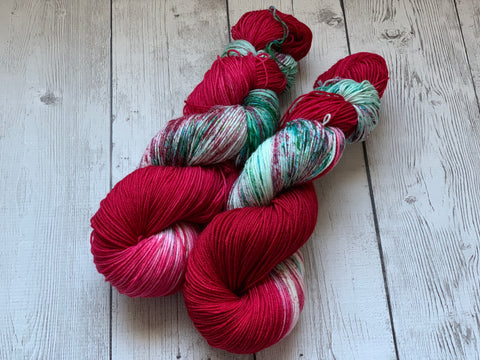 CANDY CANE CONFUSION™ Speckled Fing/Sock Hand Paint - 463 yds RTS (1208)