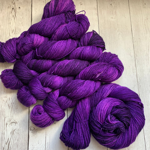 SOCK WEIGHT- The Gemstone Collection™ (AMETHYST) -  Semi-Solid 400 yds 3.5 oz RTS (716)