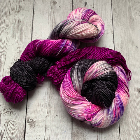 SOCK WEIGHT - ZuZu's Petals™ Kettle Dyed Speckled - 400 yds SINGLE RTS (013120)