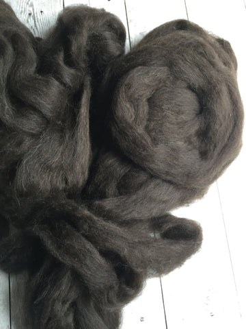 100% Icelandic Lamb Pin-Drafted Roving - Bay Black/Dark Brown  - 2 oz