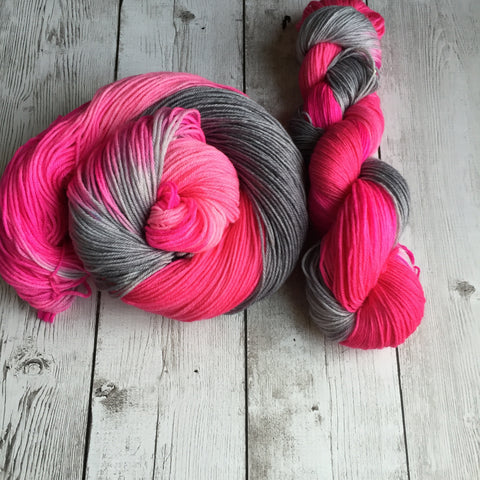 Flying Pink Elephants™ Fingering/ Sock weight - MCN 435 yds 3.5 oz (828)