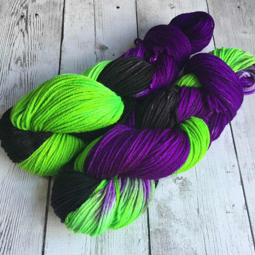 Dorothy's Nemesis™ Worsted Weight - Hand Painted - 218 yds - 3.5 oz (828)