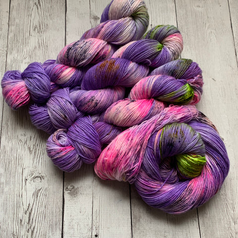 SOCK WEIGHT - GYPSYS, TRAMPS & THIEVES SINGLE Speckled Hand Paint - 400 yds RTS (021820)