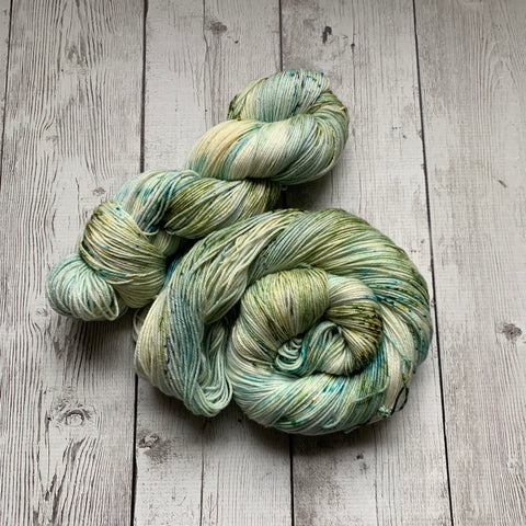 SOCK WEIGHT - ENGLISH GARDEN ™  MCN - 437 yds RTS (020420)