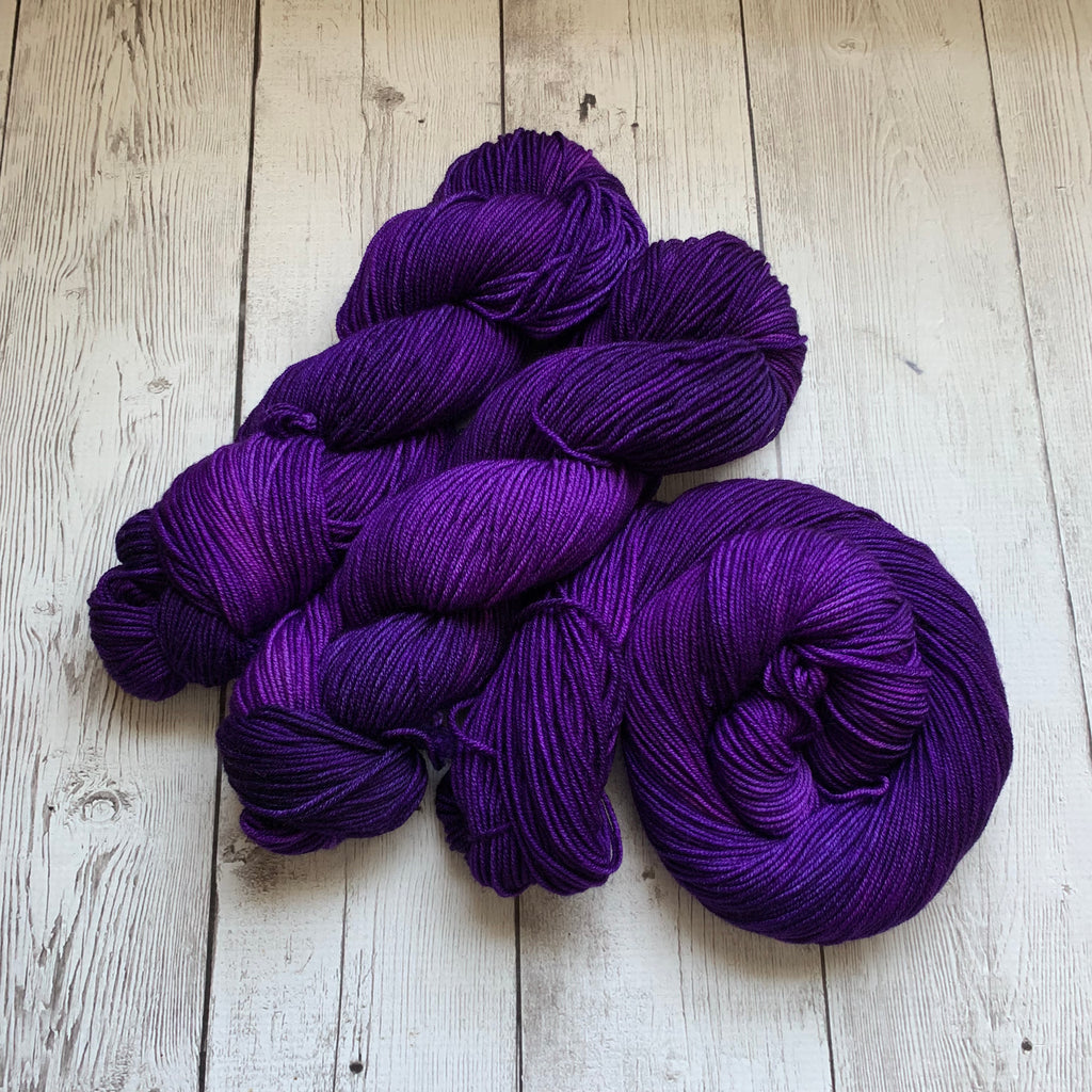 CONCORD GRAPE™ -  Semi-Solid Kettle Dyed DK - 274 yds 3.5 oz RTS (715)