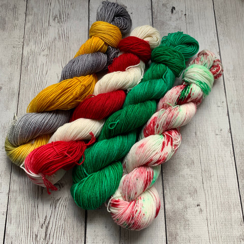 CHRISTMAS WONDERLAND™ KIT -  Speckled/Kettle dyed Fing/Sock Hand Paint - 912 yds RTS (1211)