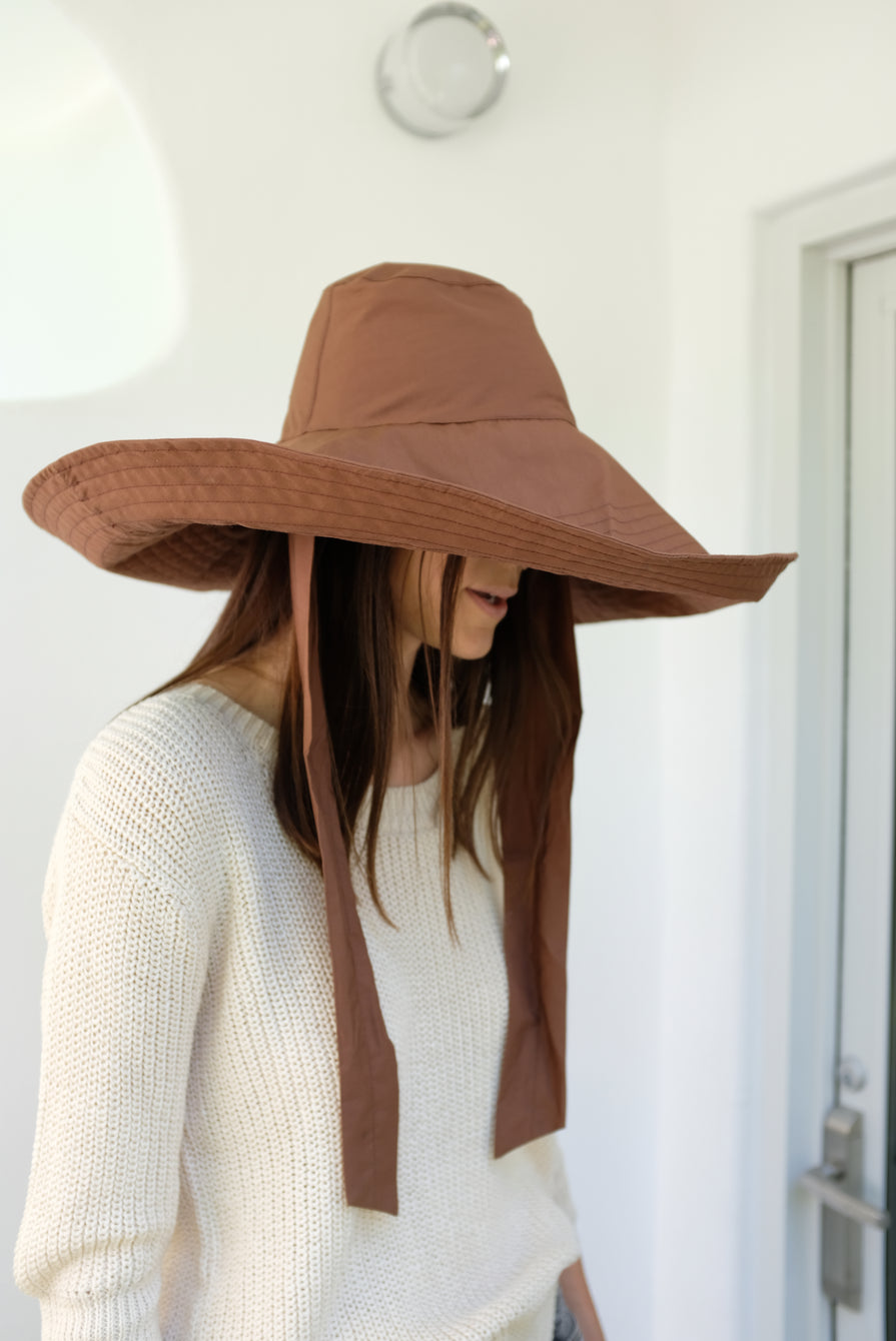 Beklina Voluminoso Tie Hat Brown