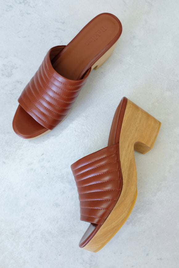 Beklina Ribbed Clog Open Toe Wet Clay