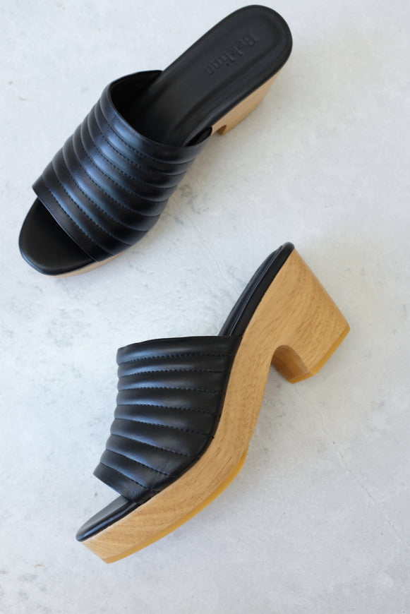 Beklina Ribbed Clog Open Toe Black