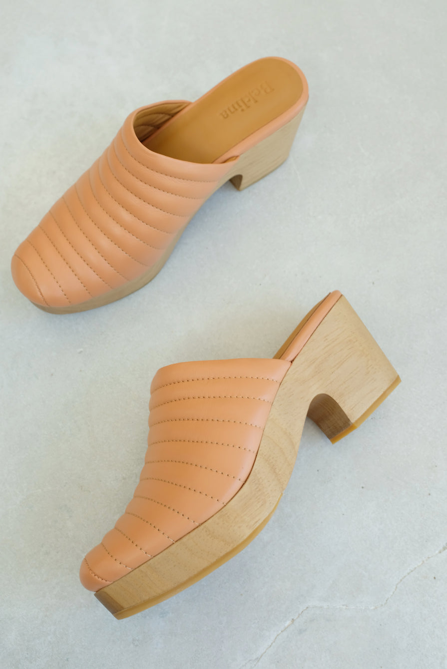 Beklina Ribbed Clog Peach