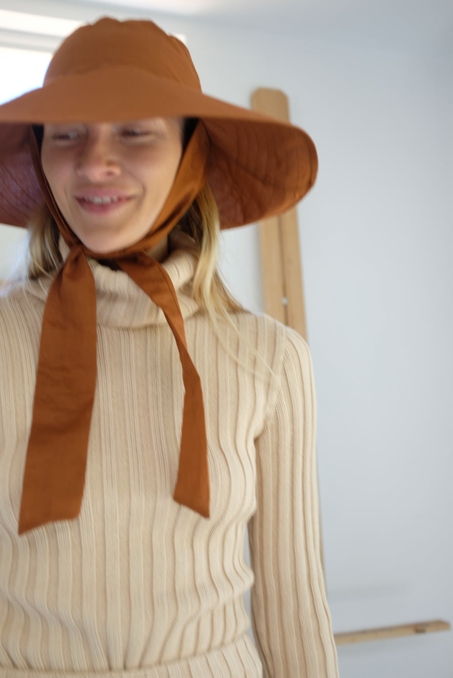 Beklina Tie Hat Brown