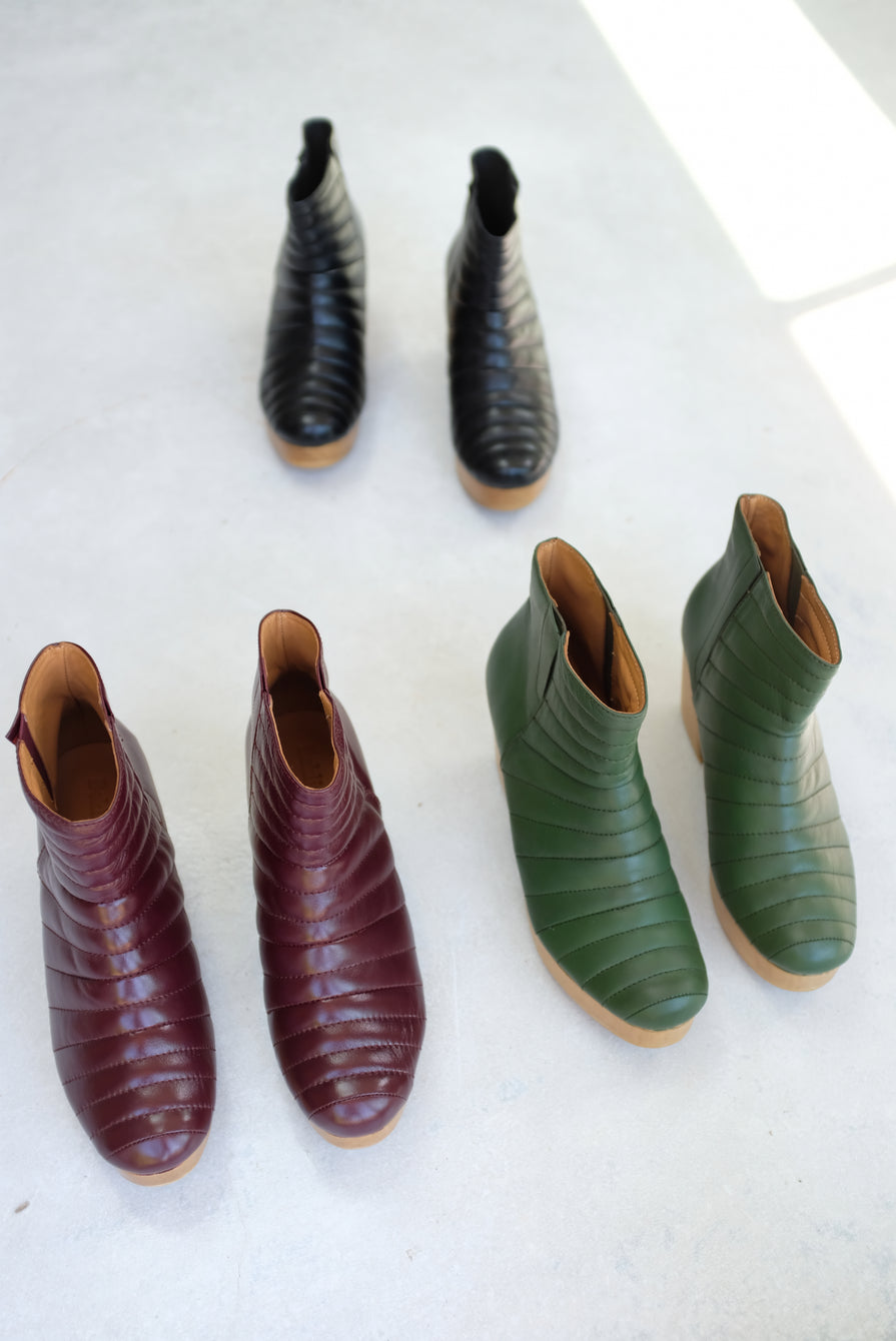 Beklina Ribbed Boot Clog Baya