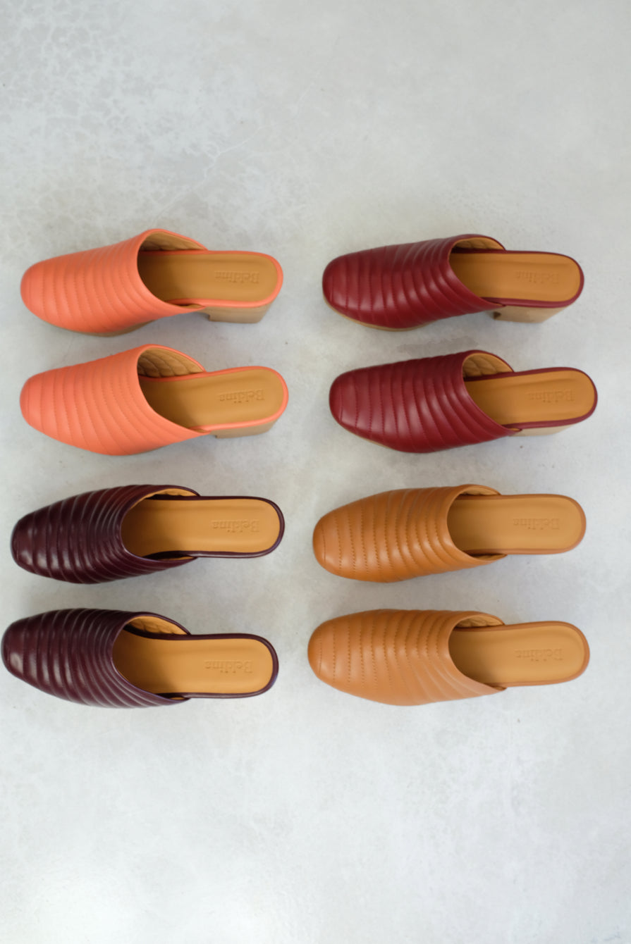 Beklina Ribbed Clog Dry Clay