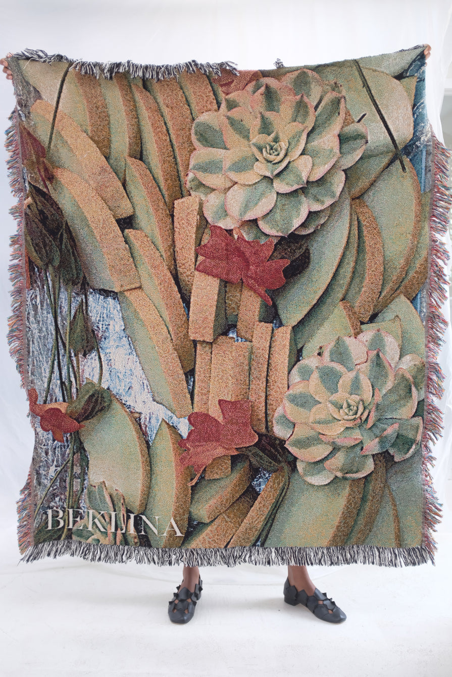 Beklina Throw Blanket Melon Platter