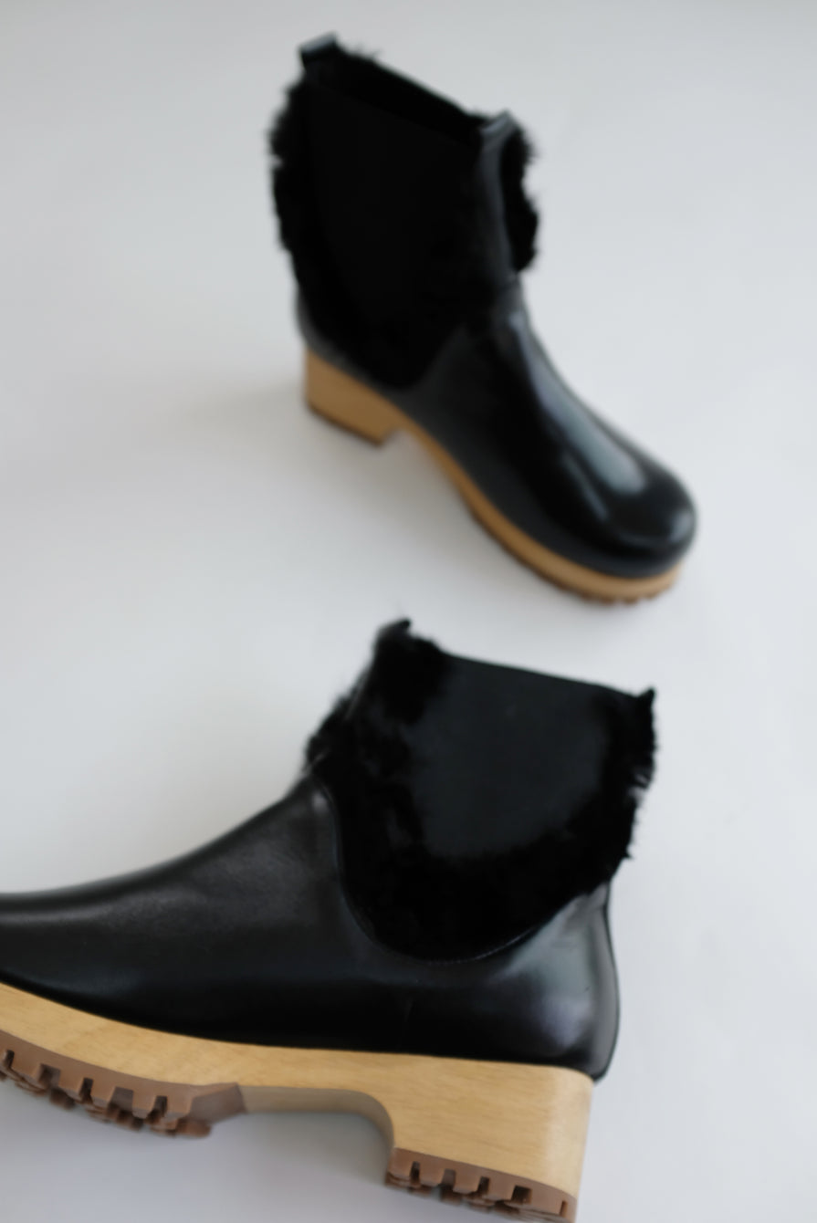 Beklina Low Clog Boot Black
