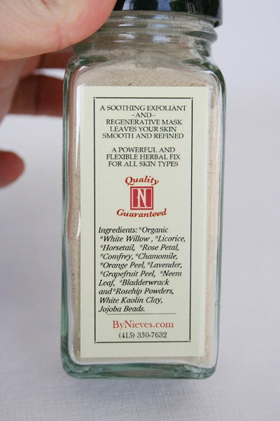 Nieves Sanitizer & Face Fix
