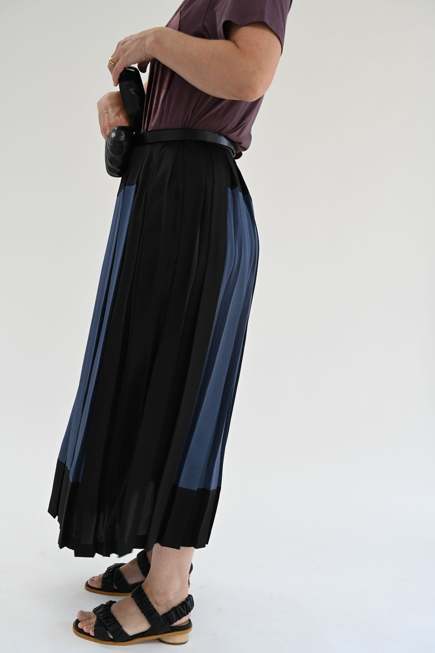 Correll Correll Pleated Square Skirt