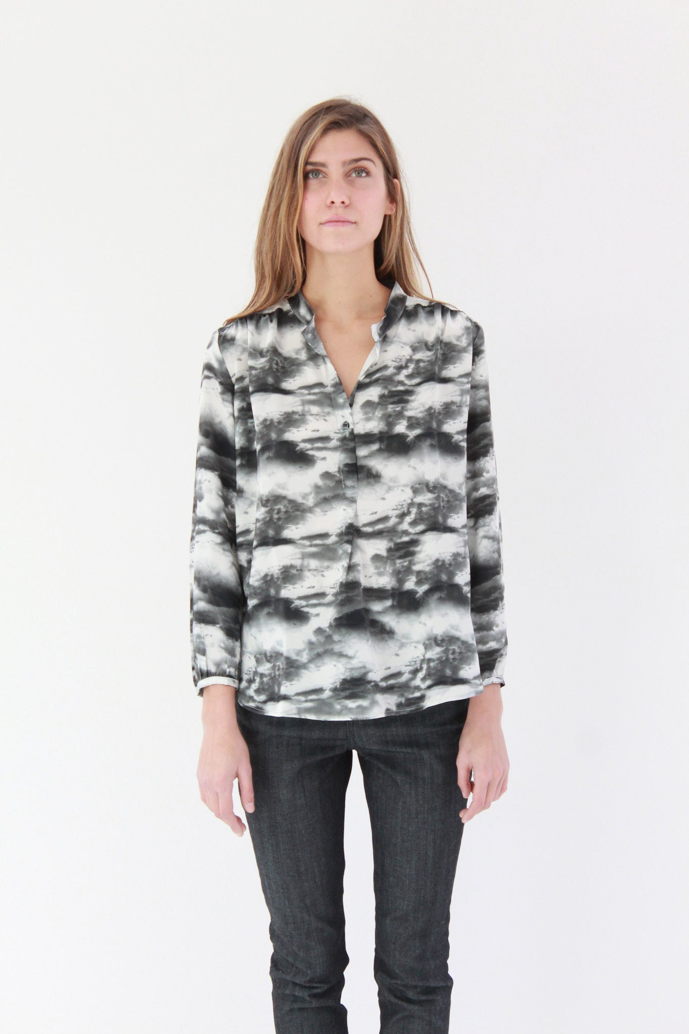 Beklina Podolls Pullover Blouse Cloud Print