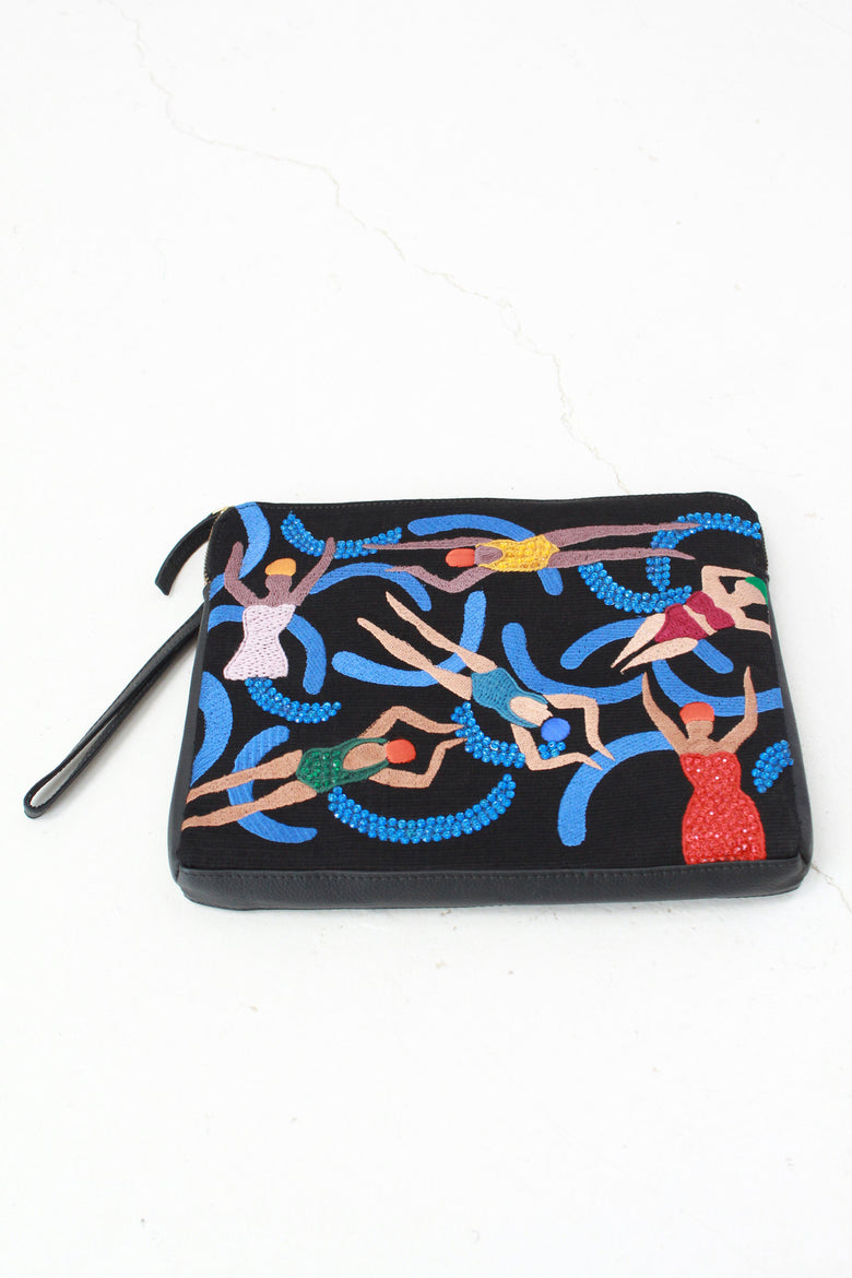 Beklina Lizzie Fortunato Safari Clutch Pool Girls