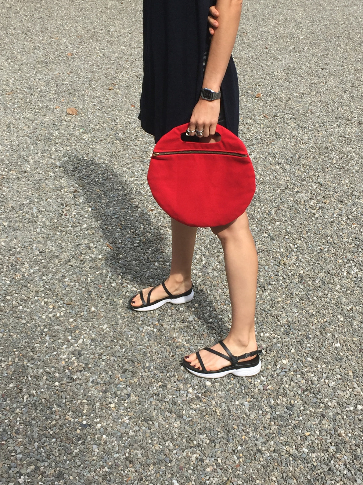 Lotfi Arches Circle Clutch Red / Beklina