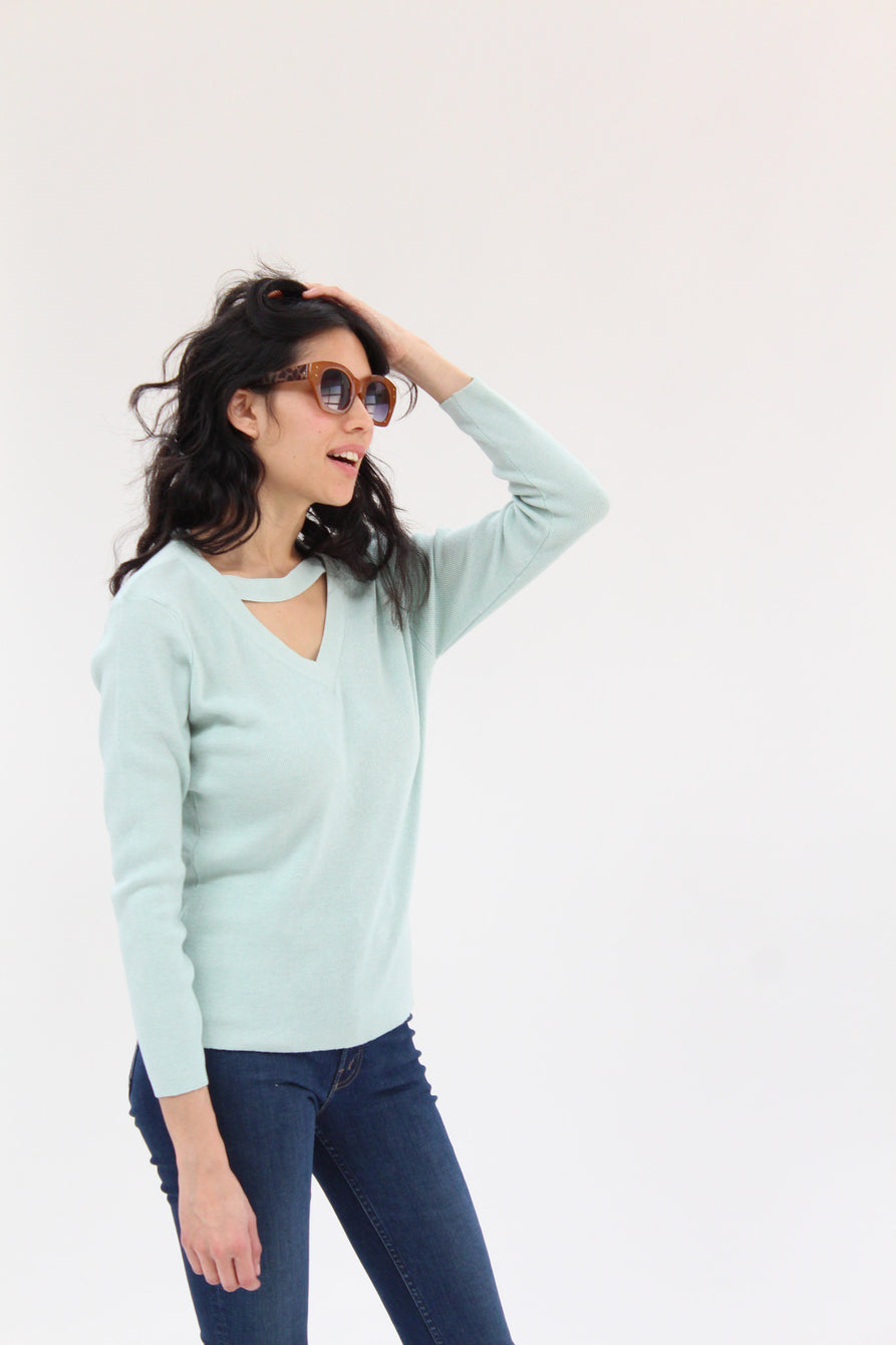 Beklina Ribbed Bar V-Neck Sweater Water