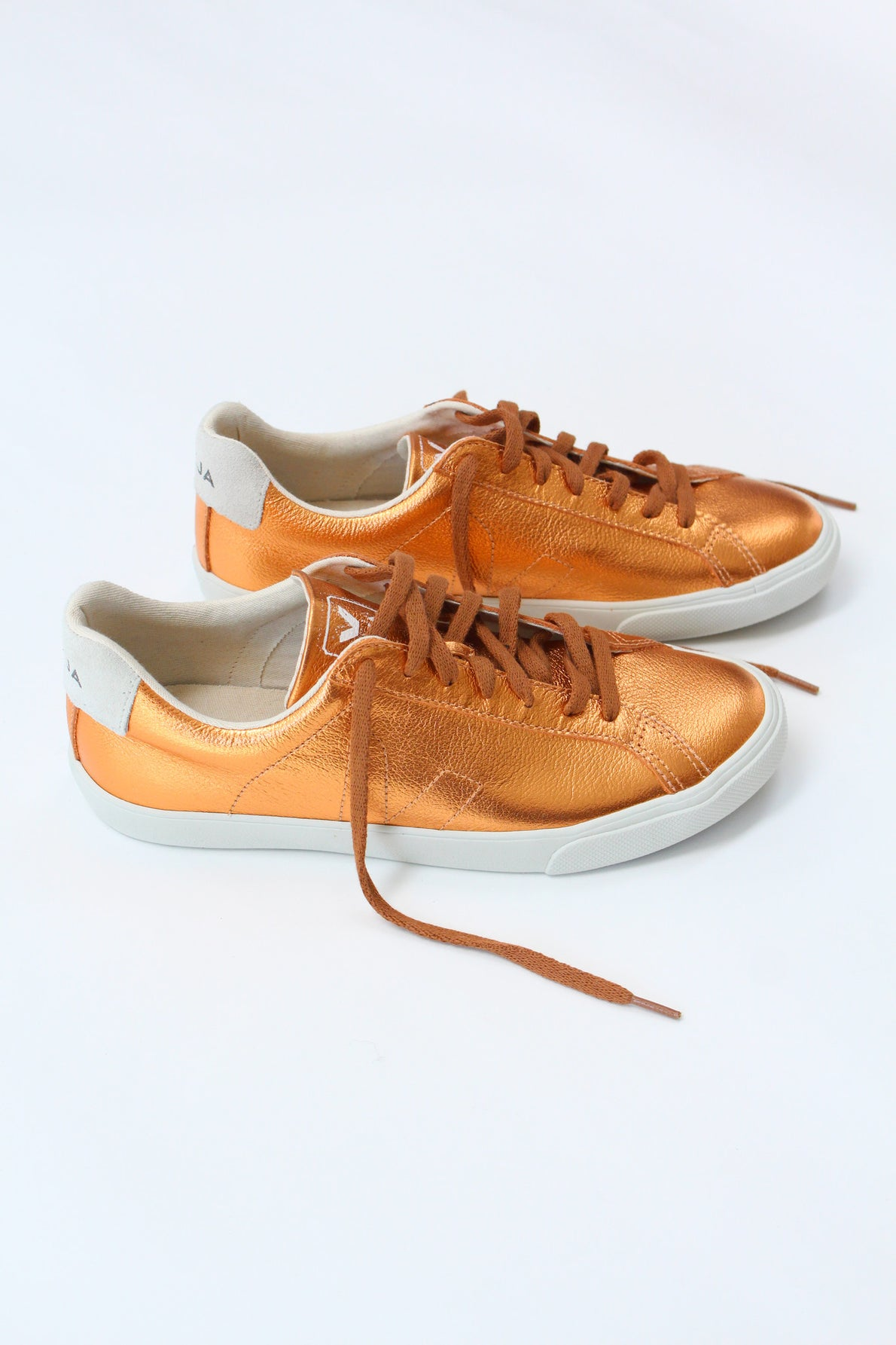Beklina Veja Esplar Leather Copper Sneaker