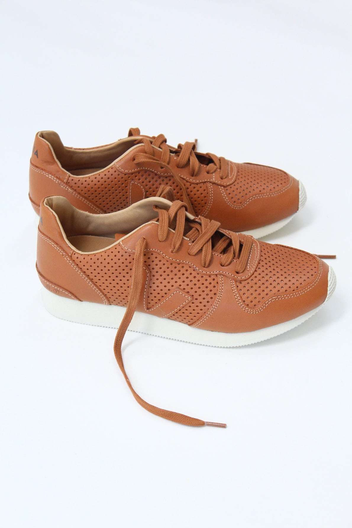 Beklina Veja Holiday Low Top Leather Tuile  Perforated Sneaker