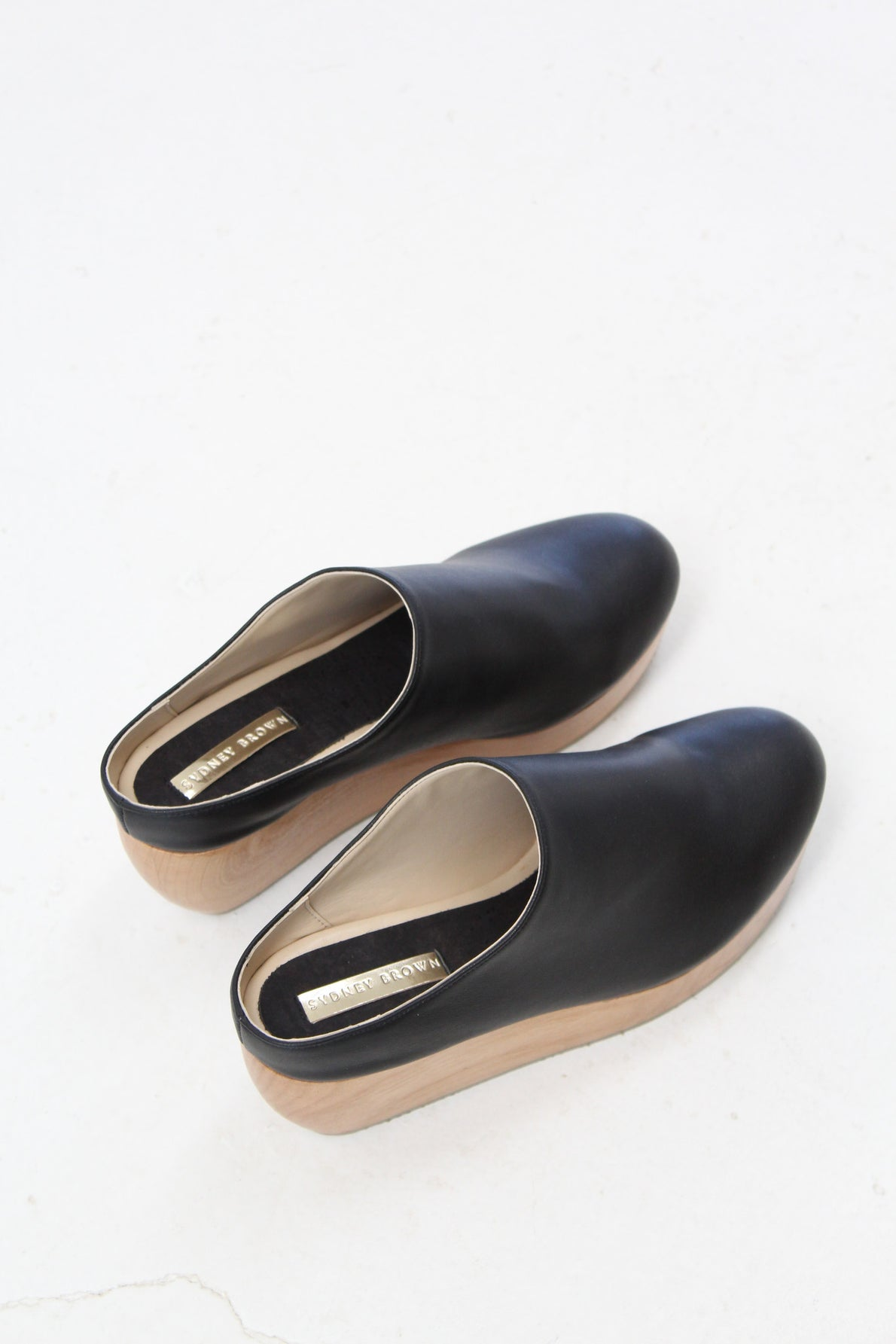 Sydney Brown Clog Black