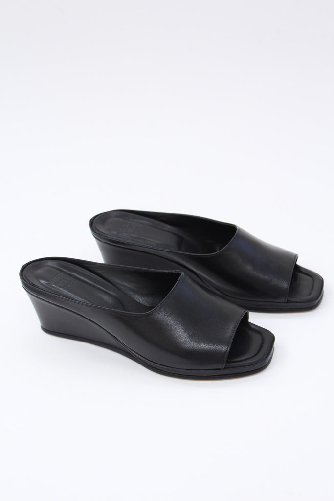 MNZ Yves Wedge Black