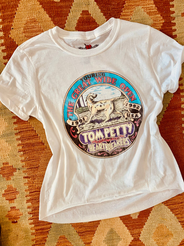 traveling wilburys, tom petty, tom petty and the heartbreakers, graphic women t shirts, graphic vintage tee, graphic oversized tee,best graphic tee,crop graphic tee, daydreamer, graphic retro tees, vintage tour tees, girl graphic tee, women graphic tee, oversized band tee, boutique graphic tees wholesale